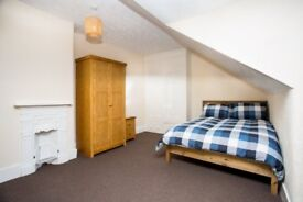 LARGE ROOM TO RENT,PROF.HOUSE SHARE,LONG/SHORT TERM,ALL BILLS INC.WIFI.SKY TV.NO DEPOSIT.FULLY FURN