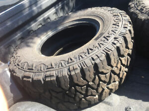 35/12.5r17 good condition