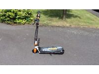 Zinc 120 Volt Electric Scooter- Orange/White/Black- With Charger- Ex Cond- Collect or Post £12