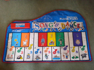 Floor Piano for kids