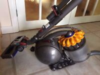 Dyson DC28c Vacuum Cleaner Hoover - Like New!!!