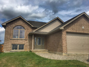 Beautiful New Build Simcoe House For Rent Oct 1, 2017