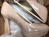 BRAND NEW BARRATTS SIZE 7 NUDE HEELS SHOES