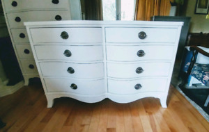Vintage and rare 8 drawer dresser( great for nany change table)