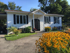 Bright, Beautiful 4 bedroom home in Valois area of Pointe Claire