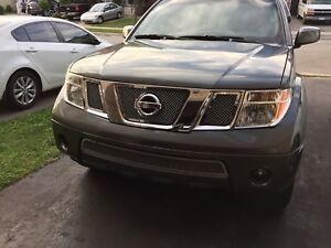 Nissan Pathfinder Front Grille Inserts 05-07