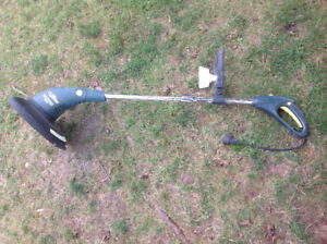 """YardWorks"" Electric Grass Trimmer/Edger 8,500 RPM - works great"