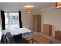 Great Room for couples in Stratford