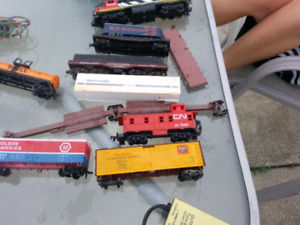Model trains and tracks