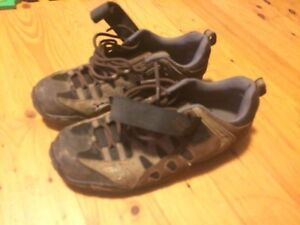 Specialized mountain bike clip less shoes
