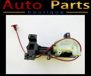 Mercedes ML350 GL450 2006-2014 OEM Fuel Door Latch 2518200197