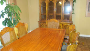 Urgent!! Must sell excellent condition dining suite.