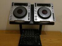 2 X Pioneer CDJ800 mk2 & DJM800 Mixer plus stand