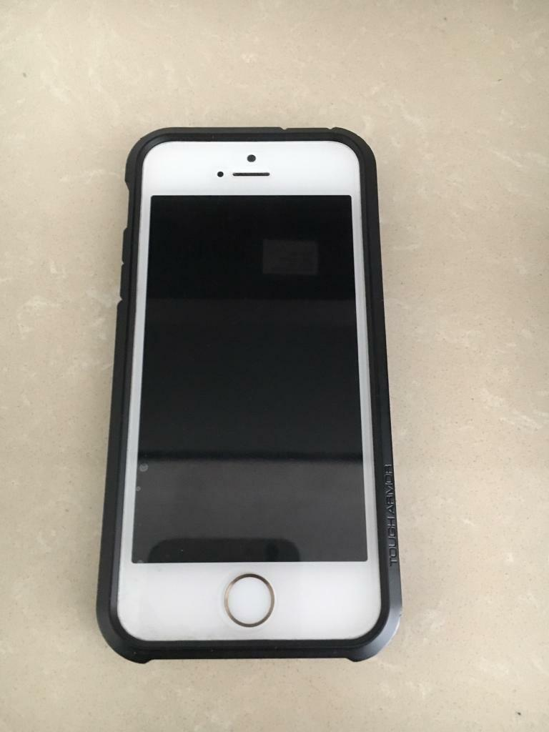 IPhone 5s white and gold 16gb unlocked pristine conditionin Oldham, ManchesterGumtree - IPhone 5s 16gb white and gold factory unlocked and open to all networksMuch sought after white and gold Iphone It has had a spigen case and a screen protector on all the time. Buyer will not be disappointed Available for immediate collection.Please...