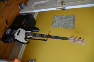 Squier Affinity J Bass & Amp - as new