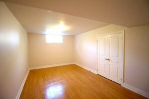 Spacious/Bright 3 BR Walk-out Basement, Close to UfTm