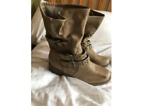 New look Boots size 7