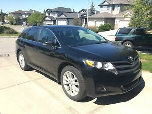 2013 Toyota Venza AWD heated leather, back up cam + warranty