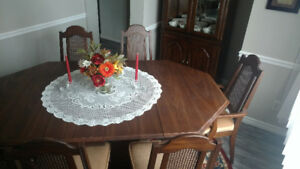 Dining Table -, 6 chairs