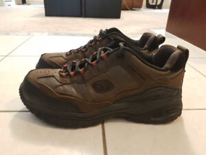 Like New Skechers Work Shoes Relaxed Fit Memory Foam 10.5