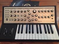Moog Sub phatty synth