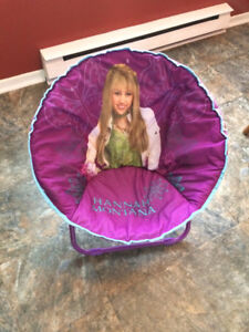 Fold-able Chair - Great Condition $5.00