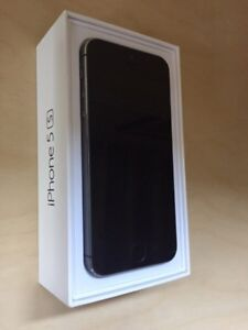 Immaculate iPhone 5S With Extras
