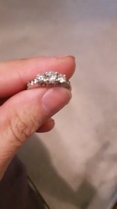 Gorgeous engagement ring size 6.5