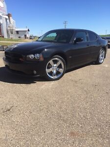 2009 Dodge Charger R/T. 43,000km! PST paid!