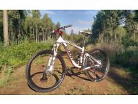 Stunning Giant Trance X Full Suspension Mountain Bike - £1300 New - Highly Upgraded (Small)