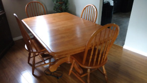 Honey Oak Dining Table with 4 Chairs