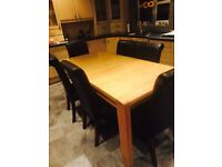 Extendable Table 8 seats