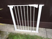no 3 ) stair gate with fittingd
