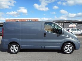 FINANCE ME!! NO VAT!! Stunning Renault Trafic sport swb panel van, only 65k from new, FSH ,SAT NAV