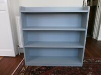 Lovely vintage wooden bookcase/bookshelf, 4 shelves, painted a mid-grey
