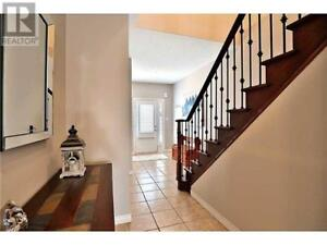 Detached House for Rent in Stony Creek- Walking Dist to Lake