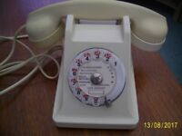 French Bakelite telephone