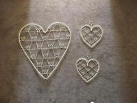 Set of 3 cream heart shaped photo/postcard wall hangers