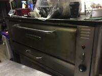 Gas Pizza Oven very good condition , clean