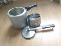 Hawkins 3.5 liter pressure cooker