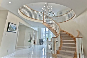 A BIG LUXURY HOUSE WITH 3 GARAGES IN 16TH & WARDEN
