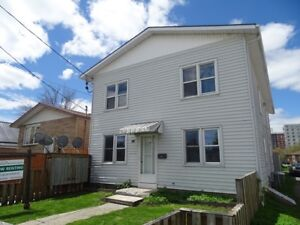 NEWLY RENOVATED 2 BDRM IN KINGSCOURT AREA - 40-3 Connaught St