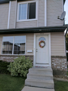 Townhome in Arbor Creek (3 bed + 2.5 Bath)