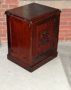 Antique Solid Quarter-Cut Oak Cabinet EXCELLENT BAR!