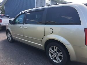 2010 Dodge Grand Caravan SE (rebuilt title)