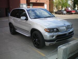 "BMW X5 4.8IS Sport - 360 hp, 6 spd, 20"" Rims, Pano Roof"