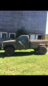 Chevy Mud/Trail truck with 350 small block