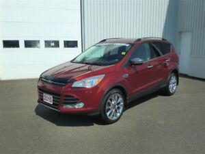2015 Ford Escape SE-LIKE NEW-CHROME PACK