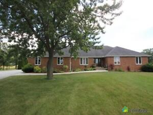 $649,900 - Acreage / Hobby Farm / Ranch in South Woodslee