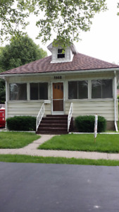 Beautiful 3 Bedroom House East Windsor, Sept. 1$1050 +